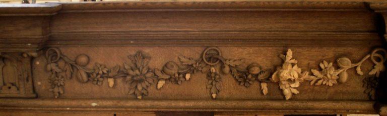 George England organ case restored by Laurent Robert Woodcarver, frieze 1