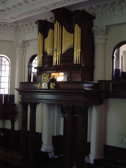 St Paul's Deptford church in London, 1745 organ case restoration, pipe organ restored, Laurent Robert woodcarver