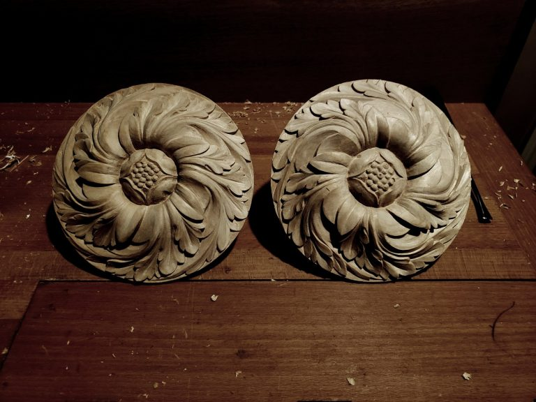 pipe organ sculptures for bruton church in williamsburg including two rosettes carvings by laurent robert