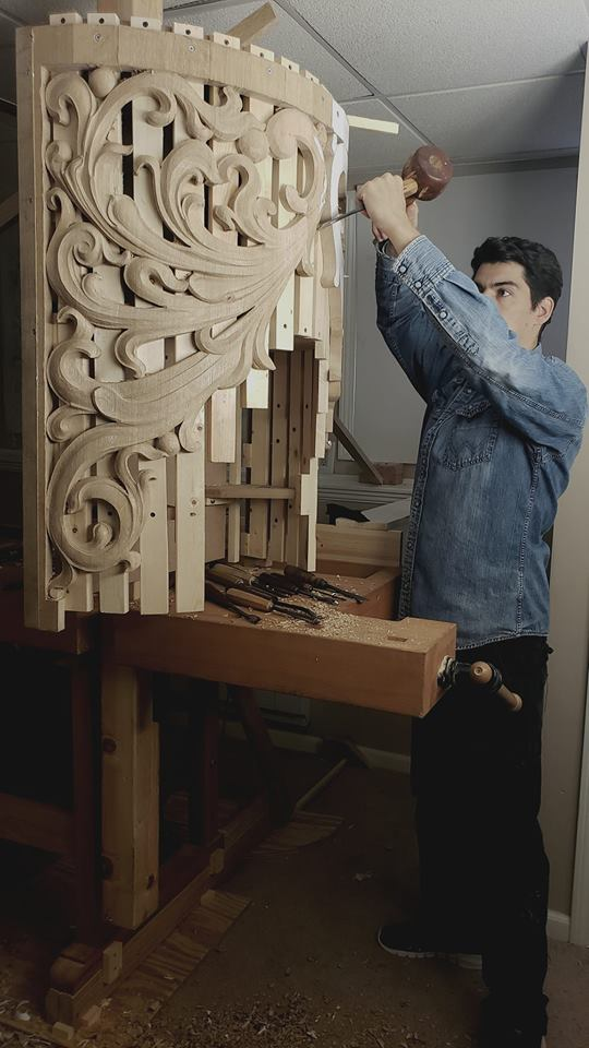 Laurent Robert woodcarver at work