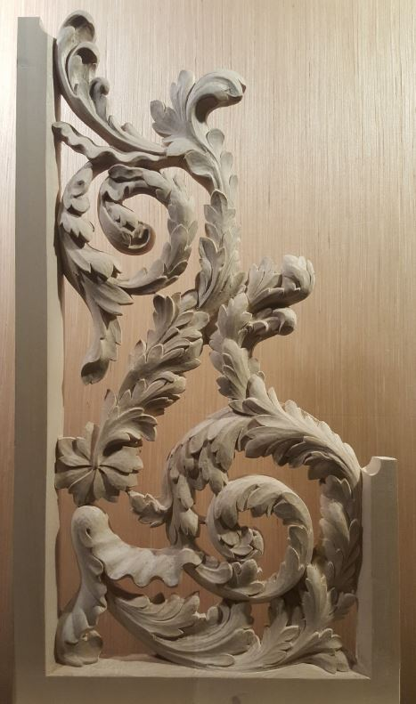 Carved reversed console openwork in lime wood before gilding treble side