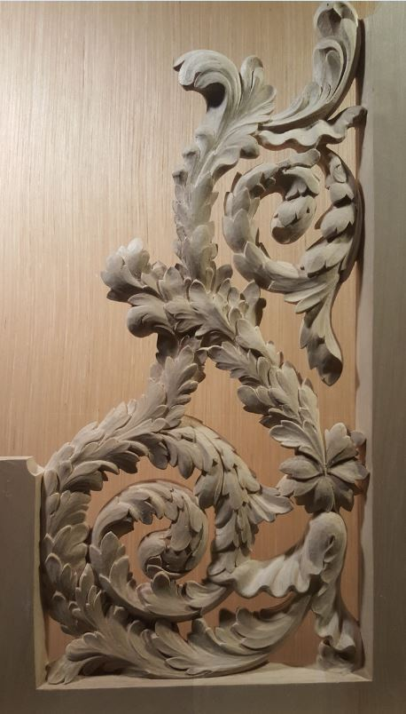 Carved reversed console openwork in lime wood before gilding bass side