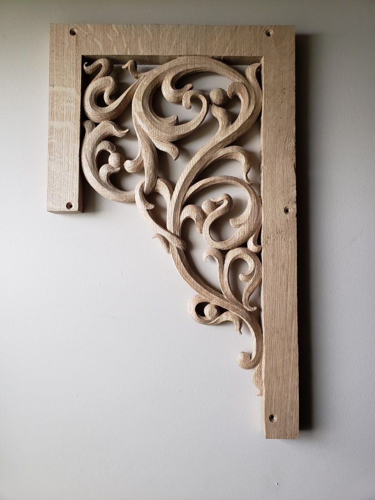 Lower flat pipe shade carving in oak for pipe organ with openwork inspired from Gothic flamboyant period treble side