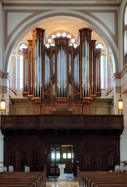 st peters on capitol hill interior with pipe organ including carvings made by laurent robert